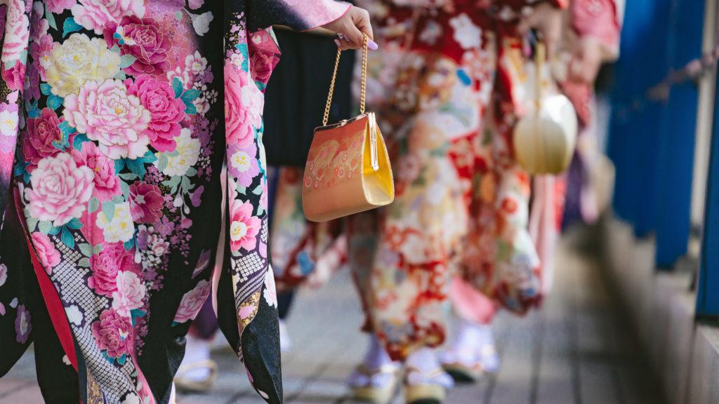 着物を着ている女性達