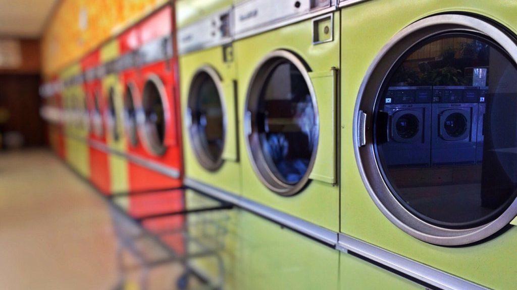コインランドリーの洗濯機
