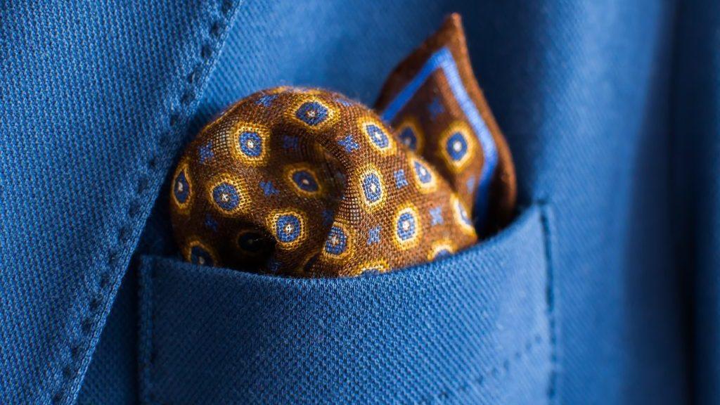 ポケットに入ったハンカチ