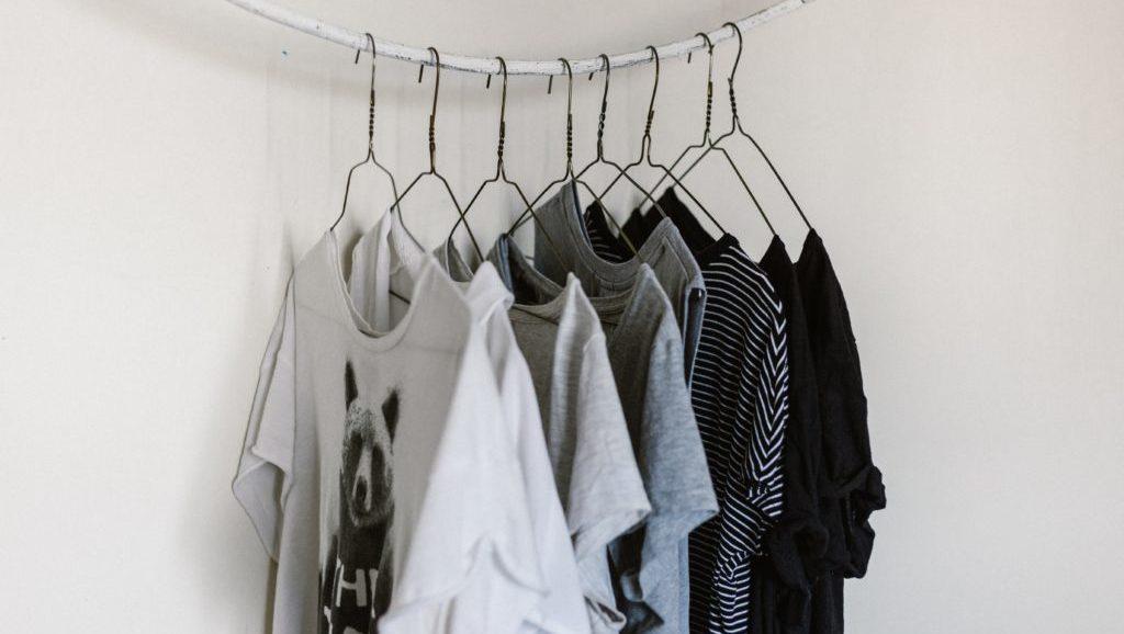 部屋干し洗濯物